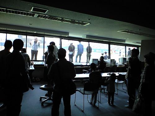 放送室@2009マンダリンパイレーツホーム開幕戦_ブロガー特別観戦ツアー_坊ちゃんスタジアム