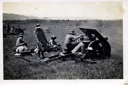 oefening met de veld-artillerie / practising the field-artillery , Dutch Indies , late 1930's