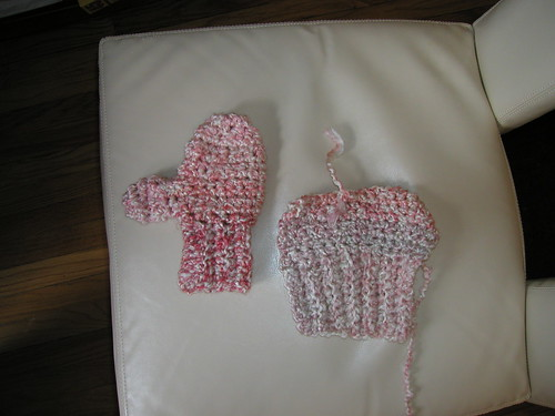Hitchhiker mitten... and hitchhiker mitten want-to-be
