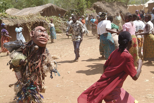 An image of the Gule Wamkulu dance (photo courtesy of farm4.status.flickr.com/3556)