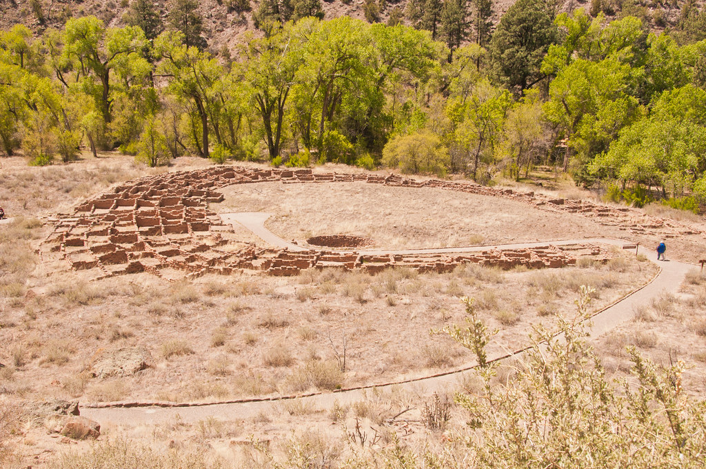 Anasazi houses on the canyon floor