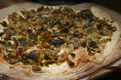 Leek, Chèvre & Walnut Pizza