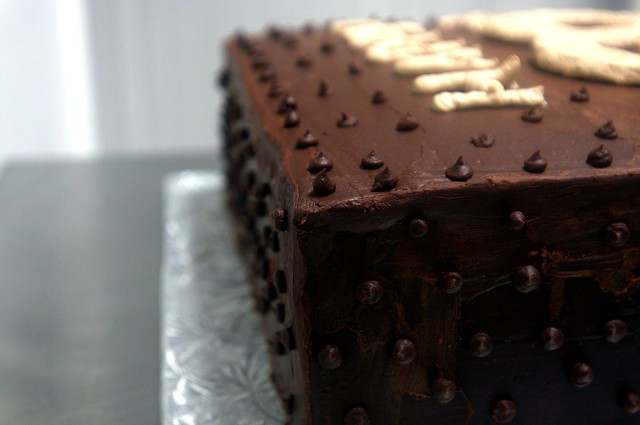 giant chocolate cake, details