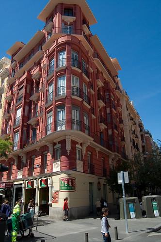 Una bonita fachada en la plaza de Manuel Becerra
