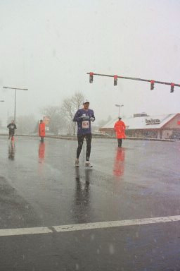 Rob at mile 24 of Frederick Marathon
