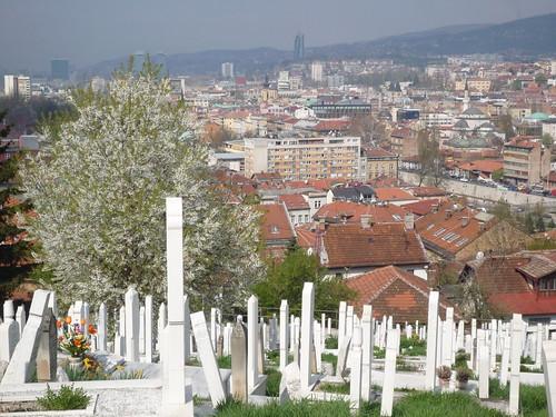 Cementerio musulmán y Sarajevo