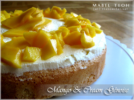 Mango and cream génoise