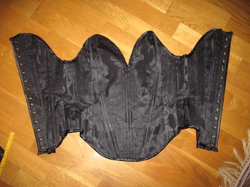 making a corset 47