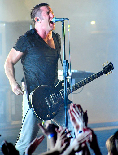 20090609 - Nine Inch Nails - Trent Reznor (singing) - (by Elizabeth Bouras) - 3615192399_31a8dfa67b_o