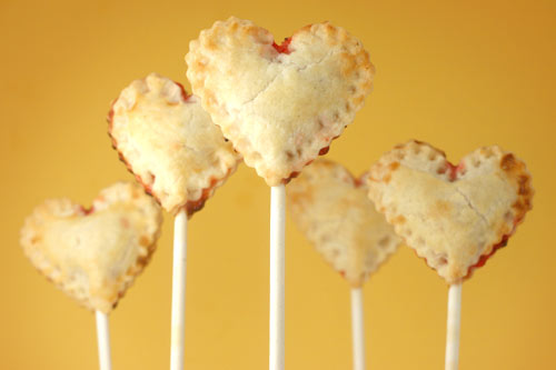 I heart pie pops