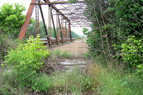Abandoned US 50 bridge over Little Muddy River