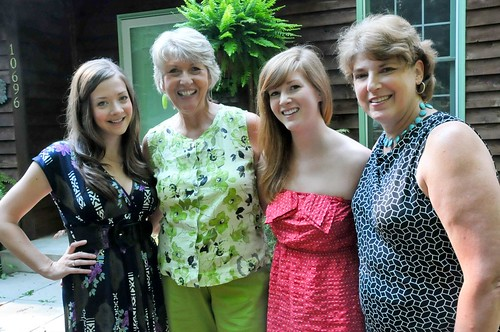 Me, Mom, Em, cousin Louise