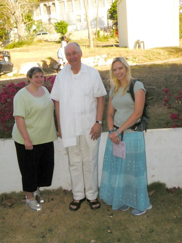 Jenn, Fr. Leo and Lindsay - DSCN6588