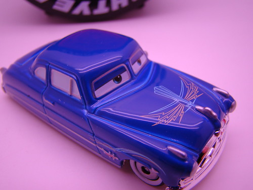 Tomica pin striped doc blue
