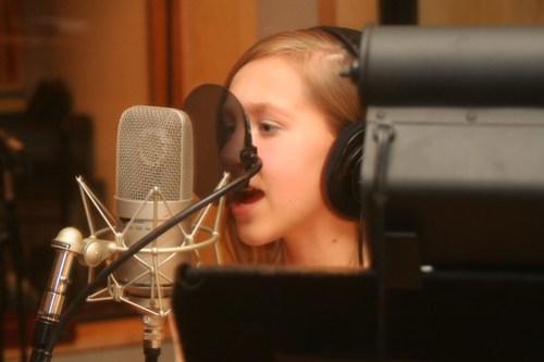 Kaleigh Jo singing