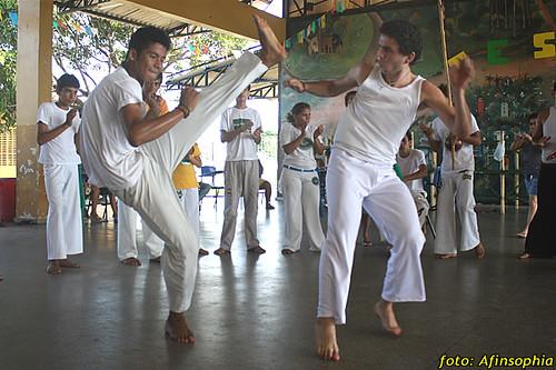 Capoeira Oxalá 09 por você.