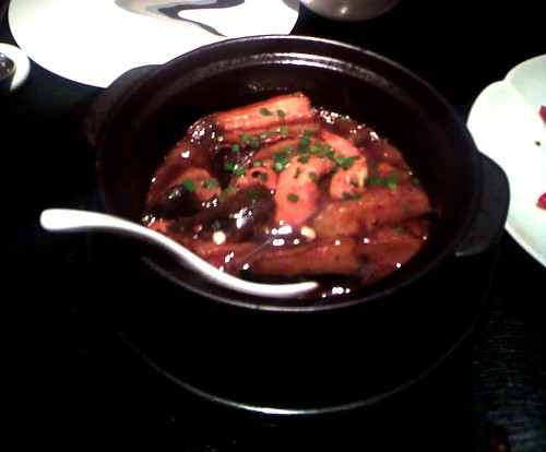 Braised tofu claypot with Japanese mushrrom in chilli and black bean