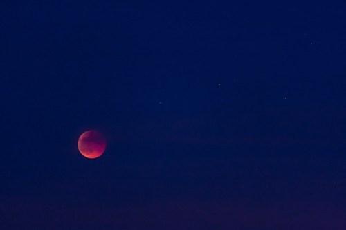 La lune se lève enfin, éclipse de Lune 15 juin 2011