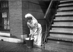 Dienstbode / Maid