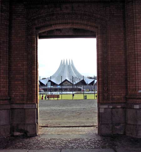 Looking from the Anhalter Bahnhof to the Tempodrom. Photo: Ulla Hennig