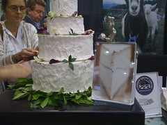 yes, that is a humboldt fog wedding cake
