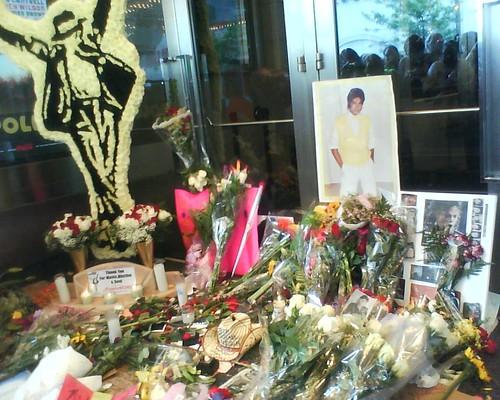 Apollo Shrine - Michael Jackson