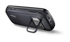 Nokia N86 8MP 隨機附贈立架,非常適合觀看影片和玩遊戲.JPG