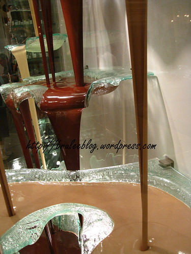 Jean-Philippe Patisserie - chocolate fountain close up
