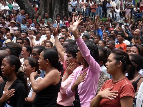 Ravalomananas supporters at Ambohijatovo Park