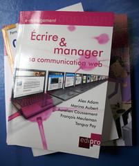 Couverture du livre Écrire et manager sa communication web