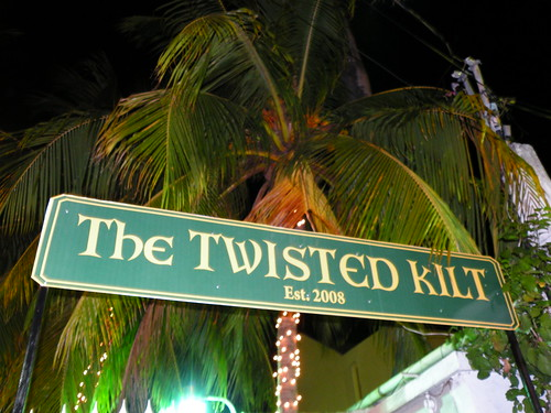 The Twisted Kilt and Palm Tree - DSCN6586