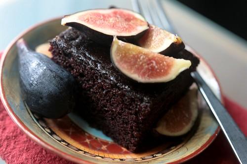 depression cake w/figs
