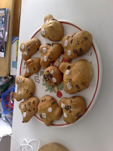 Totoro cream puffs by Unikko and daFool, Posted on 4/19/2009