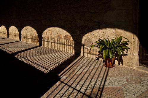 Sombras en la iglesia de Torres de la Alameda