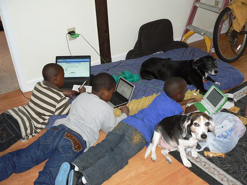 Elizabeth City - Hunter Street - Three Little Boys, Three Laptops, Two Dogs