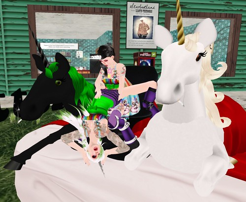 Katat0nik and Adaire join the other unicorns in their sexual debauchery!