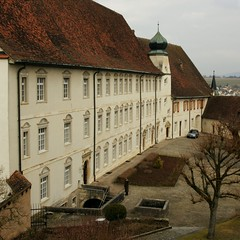 Résidence, Chancellerie und Hof