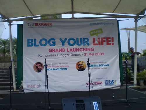 Grand Launching deBlogger