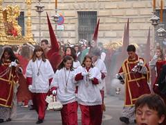 Perfumando las calles de Málaga de incienso