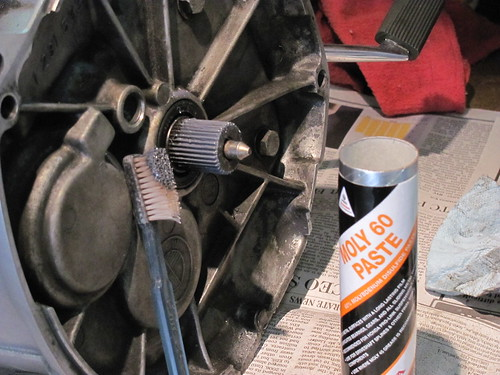 Adding Moly-60 Grease to Transmission Spline