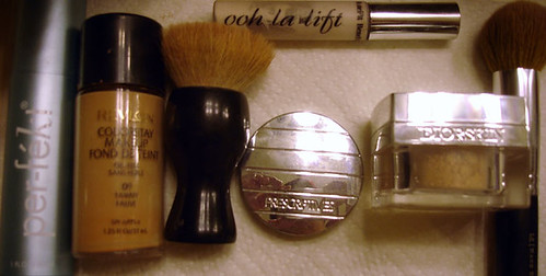 Perfekt, Revlon Colorstay, MAC 180 brush, Prescriptives concealer, Ooh La Lift, DiorSkin