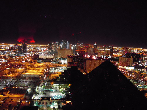 Earth Hour on the Strip