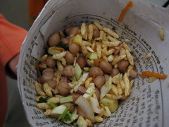Masala peanuts, one of the many snacks sold on the train platform