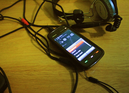 Standard headphones with the Nokia 5800 XpressMusic