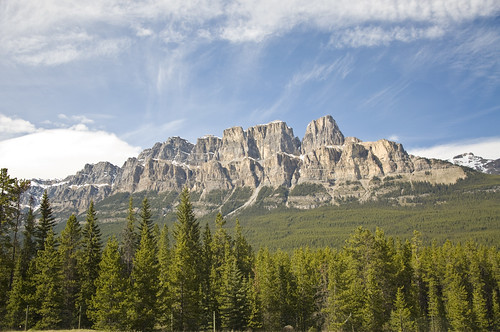 Grandeous Castle Mountains on the way to Banff