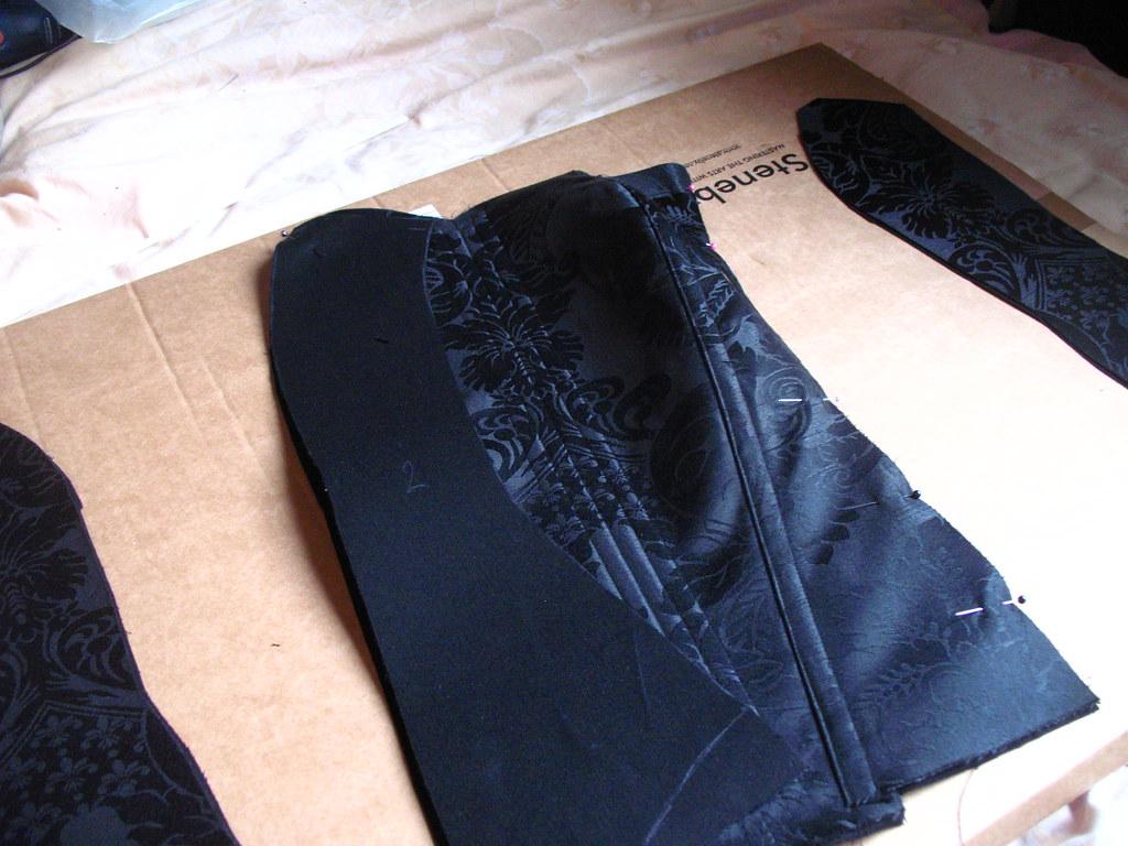 making a corset 23