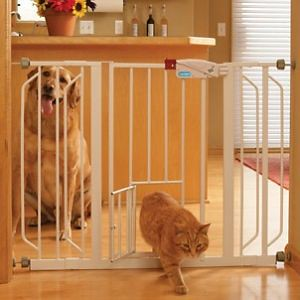 extra-wide-walk-thru-gate-with-pet-door