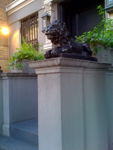 Random lion on 82nd St