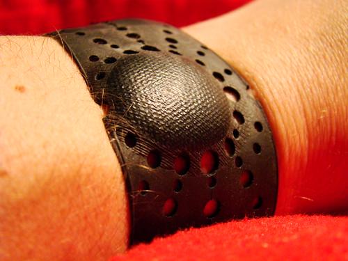 Inner tube bracelet - Hole-In ver. 2  details by you.