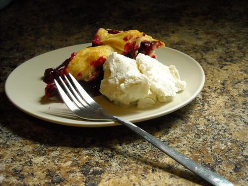 Blueberry Pie a` la mode